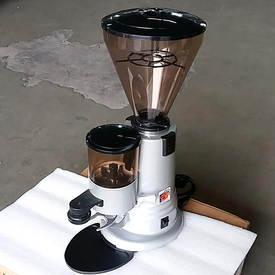 Kaffeemühle, 400 g Behälter, 15 g - GEBRAUCHT